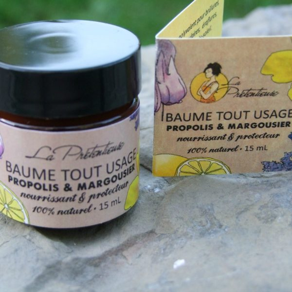 Comfrey oil and propolis protective and healing balm