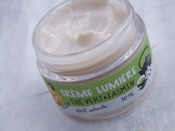 Green tea and jasmin face cream