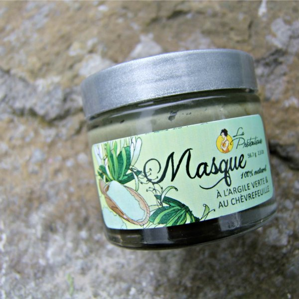 Green clay and honeysuckle extract skin mask